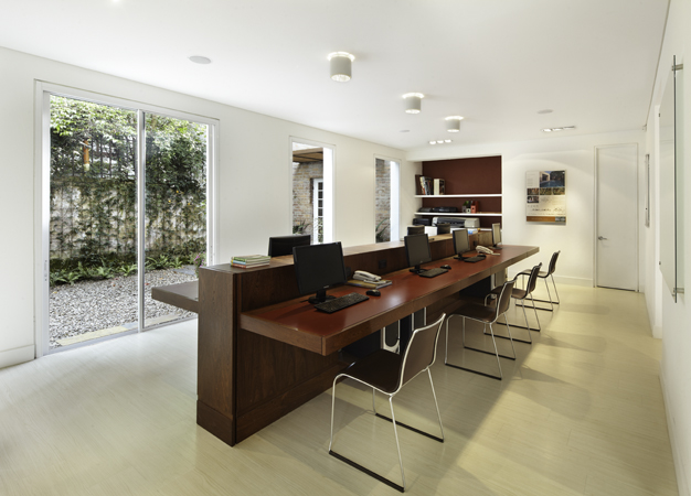 Especial oficinas for Diseno de muebles de recepcion