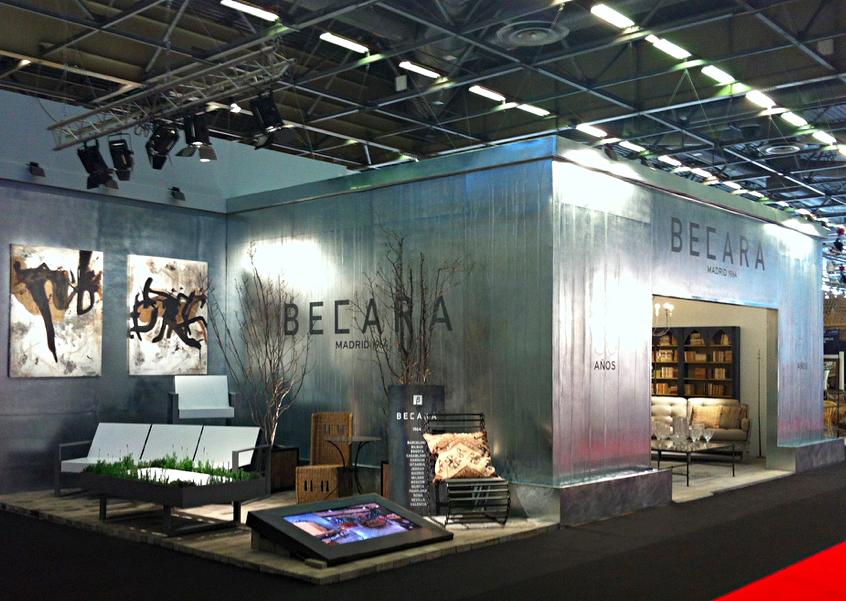 Stand de La firma de mobiliario y decoración Becara en París.