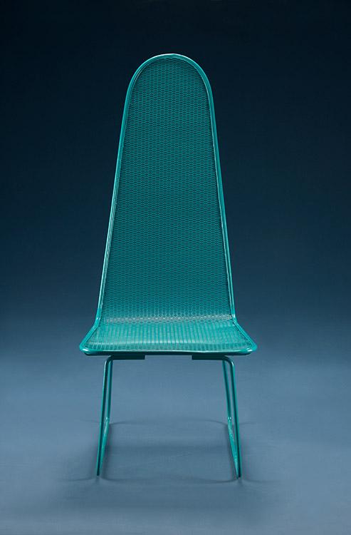Silla Malla hecha  en hierro y malla  con pintura electrostática, diseño de Mariana Vieira.