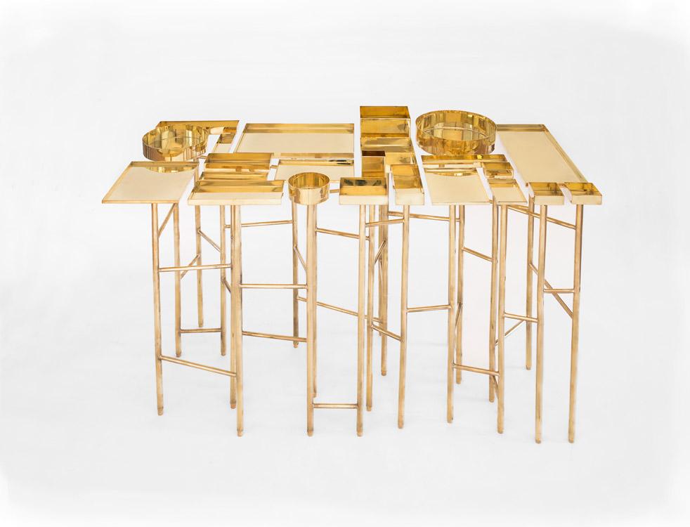 Mesa OCD en dorado.