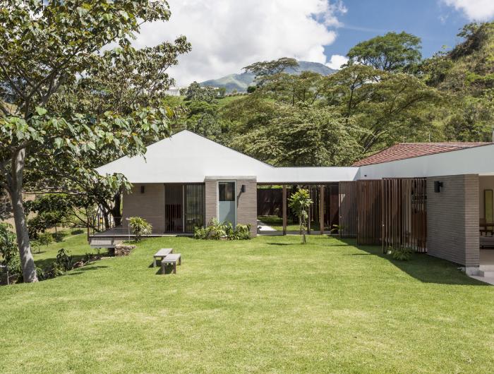 Arquitectura campestre y actual for Casas en ele modernas