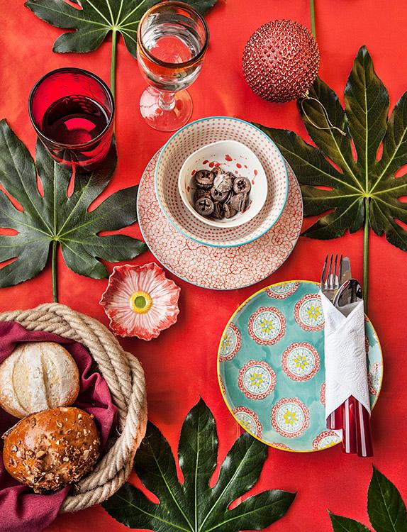 Ideas para decorar una mesa original para navidad y fin de a o for Ideas mesa navidad