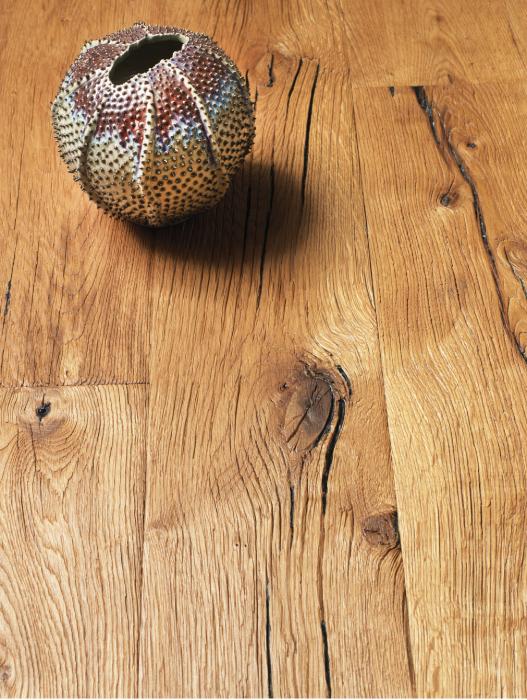 Piso de madera estructurada, ref. Summer Beam, de espesor de 15 milímetros y ancho de 19 centímetros, de Millenium Brokers.