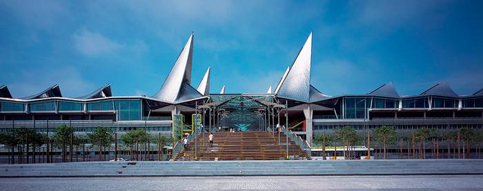 Antwerp Law Courts, obra dirigida por el arquitecto Simon Smithson, invitado especial a Expoconstrucción y Expodiseño 2015.
