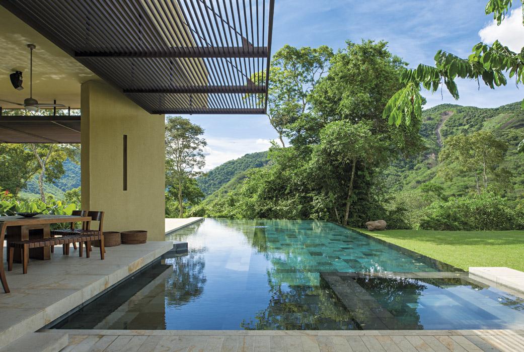 Casa campestre dise ada para compartir for Modelos de piscinas campestres