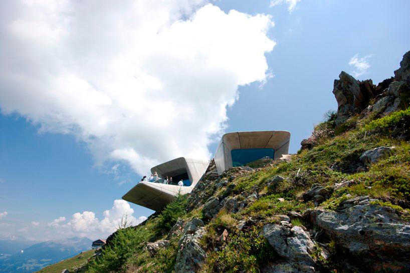 El Messner Mountain Museum Corones, en los montes de Italia, inaugurado recientemente, diseño de  Zaha Hadid.