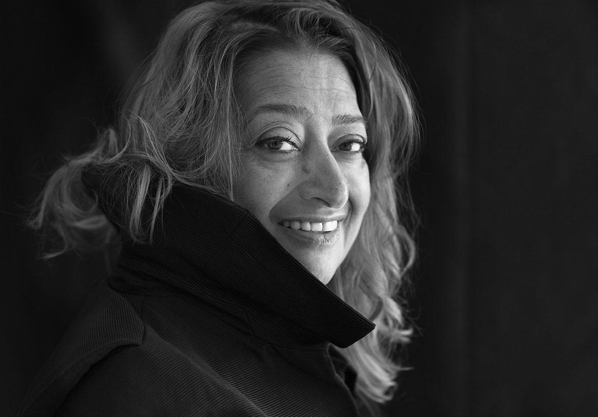 La arquitecta Zaha Hadid, foto: Brigitte Lacombe.