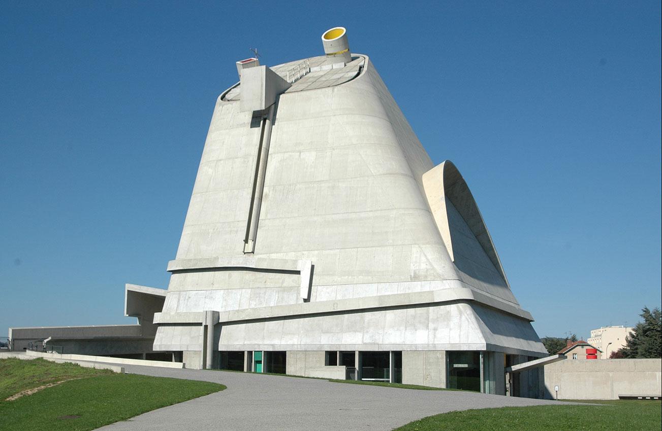 La iglesia Saint-Pierre  de Firminy en Francia, fue uno de los últimos proyectos de Le Corbusier.