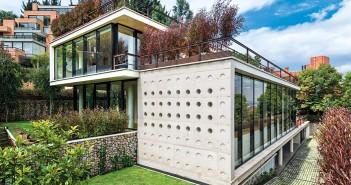 revista-axxis-proyecto-arquitectura-25-anos-carlos-granada