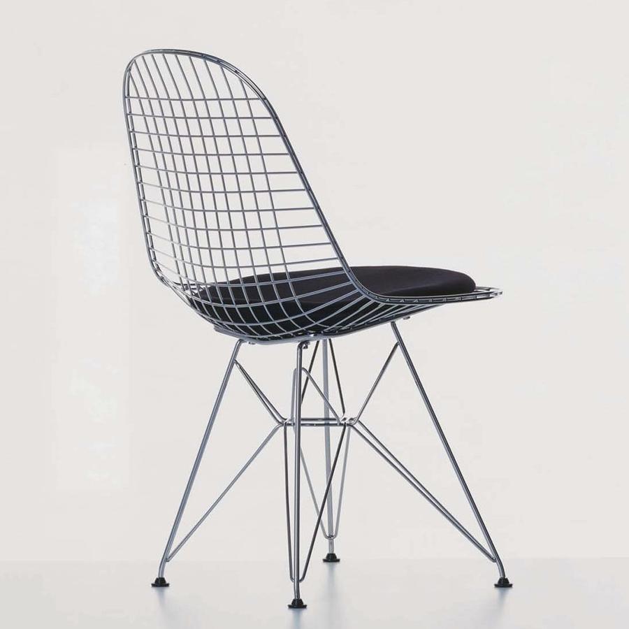 Silla Wire diseño original de Charles y Ray Eames. Fuente: Vitra