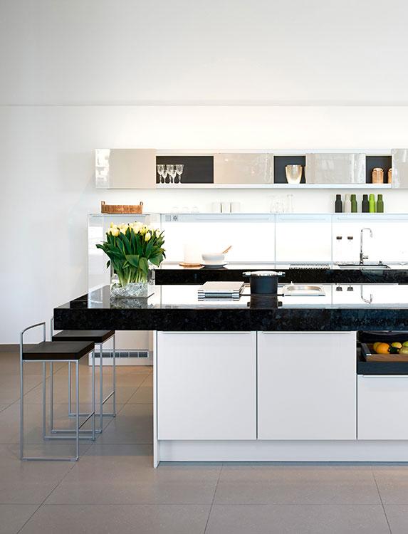 El arquitecto y diseñador Jorge Pensi creó para la firma Poggen Pohl el sistema +Modo, disponible en Productos Arquitectónicos.
