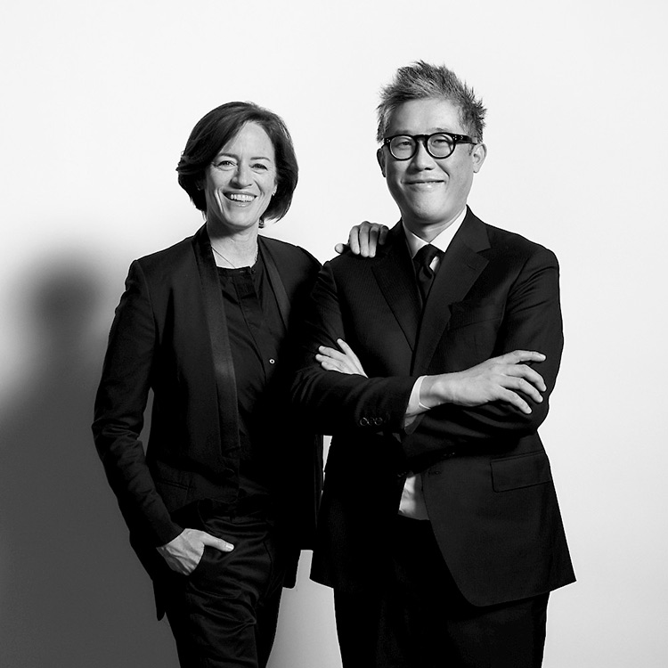 Los arquitectos Sharon Johnston y Mark Lee.
