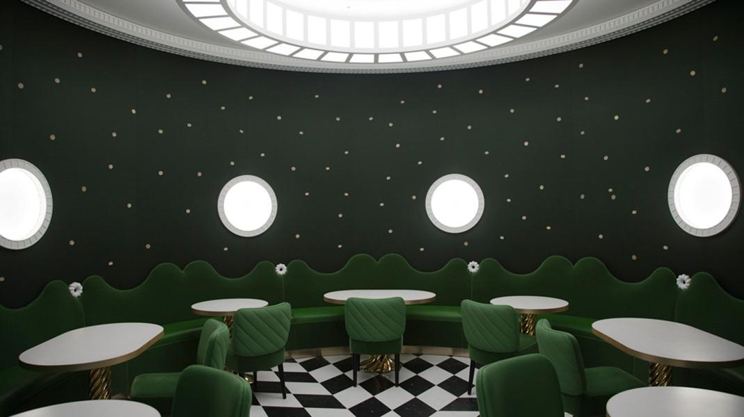 Creación de la arquitecta y diseñadora francesas India Mahdavi en la que el verde es el gran protagonista.