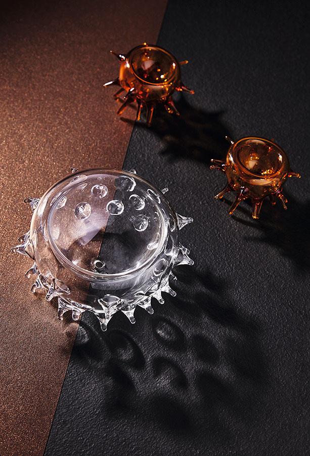 Salero y pimentero Erizo y cuenco Pez bomba en vidrio soplado. Diseño de Luz Ángela Lizarazo para Miscelánea Popular.