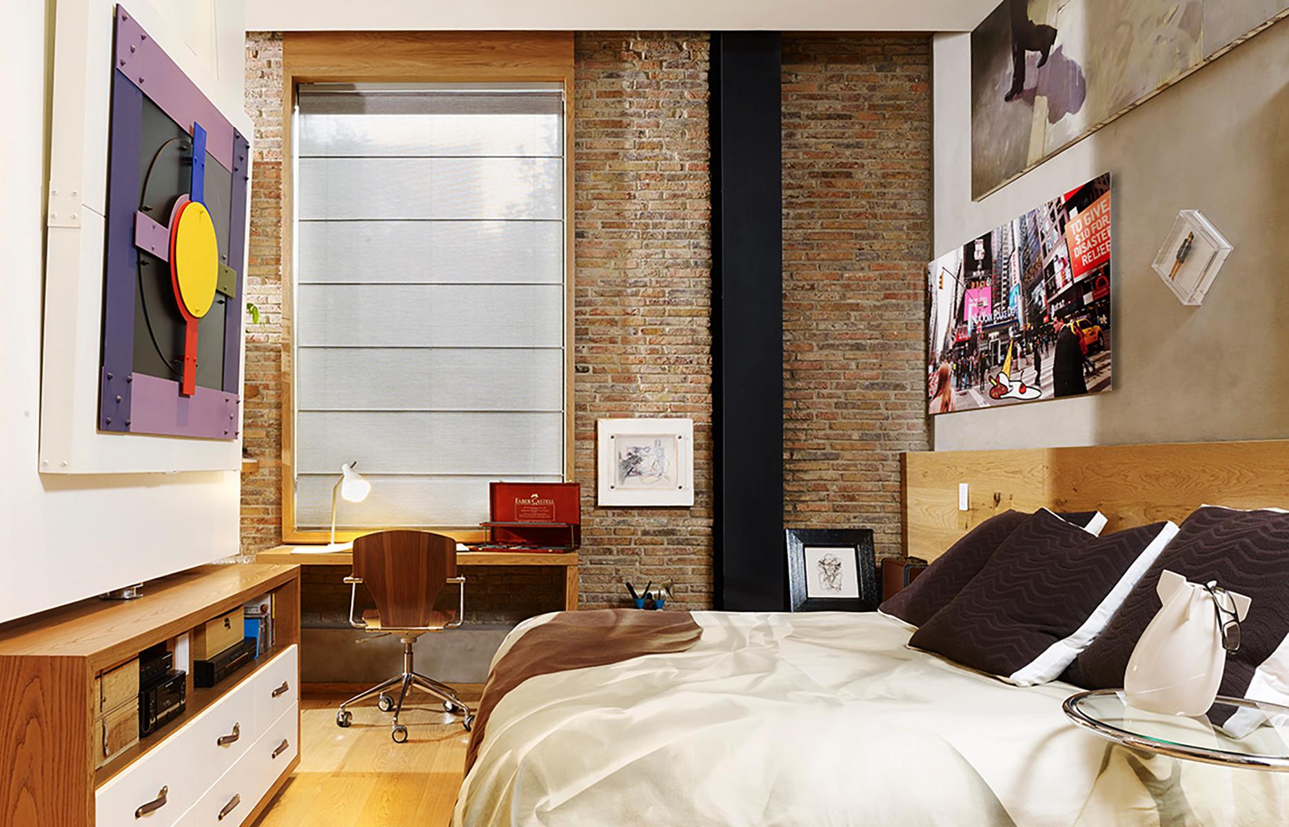 <a href='https://revistaaxxis.com.co/90m-de-puro-arte-colombiano-y-diseno-contemporaneo/'><h2>90m de puro arte colombiano y diseño contemporáneo</h2>Este apartamento en Bogotá, es un solo espacio en forma de cuña, en el que piezas originales contemporáneas sobresalen dentro del diseño del arquitecto Gabriel Lian.</a>