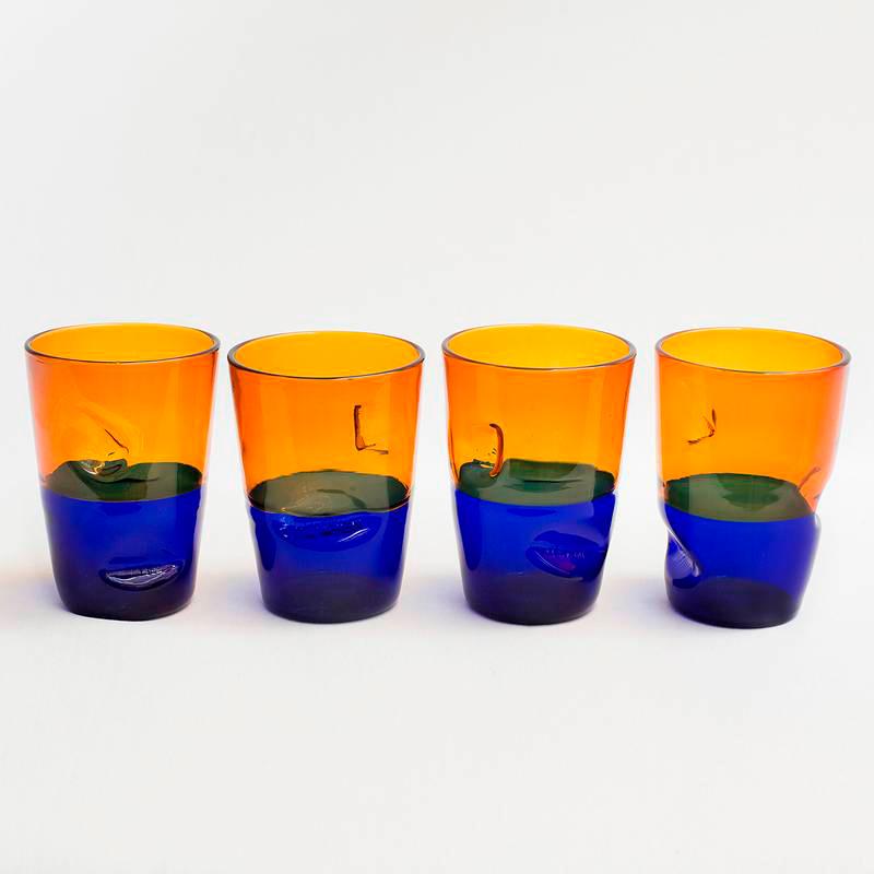 Vasos bicolor de MDeM Design. Disponibles en Tienda Axxis.