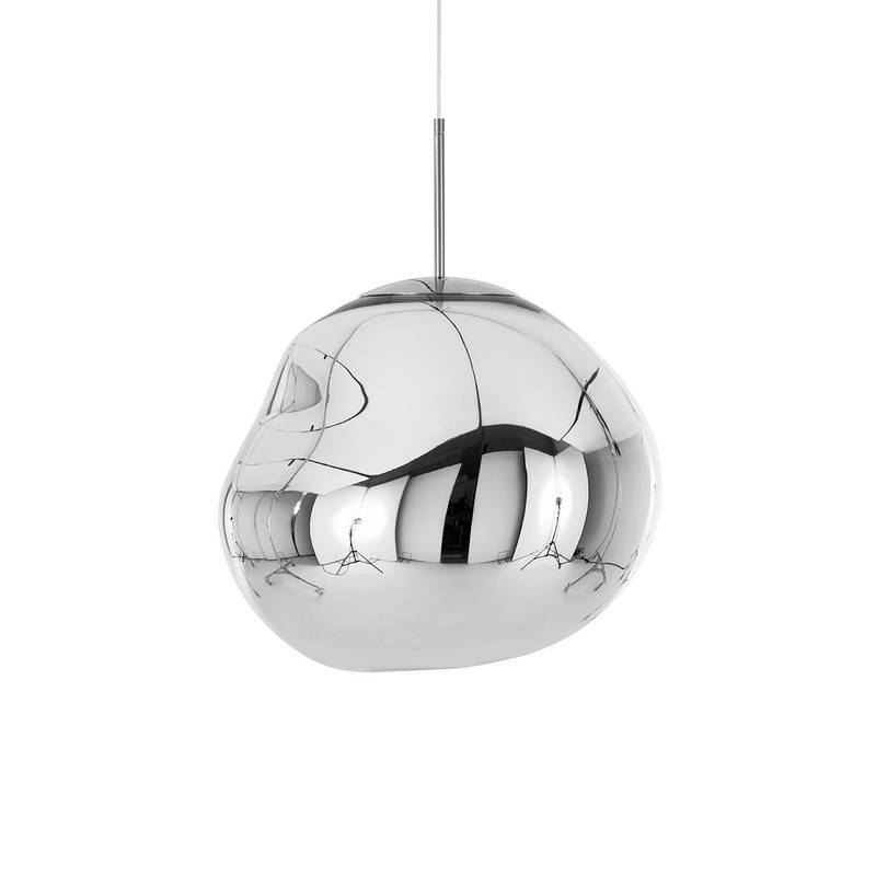 Lámpara Melt Chrome de Tom Dixon. Disponible en Tienda Axxis.