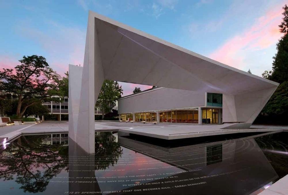 PFS Studio - Firma de diseño de paisajismo y urbanismo del año.