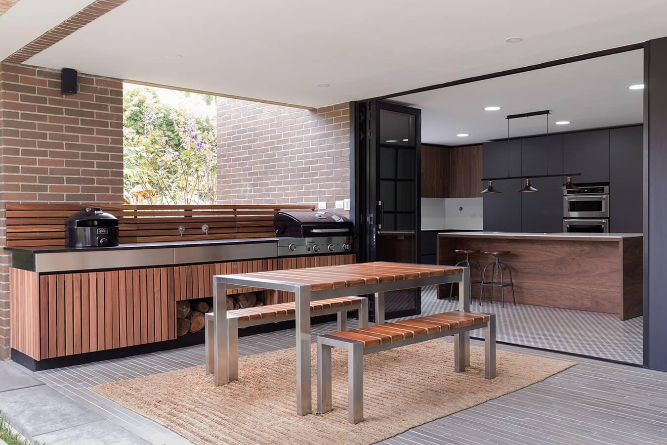 Especial cocinas saz n millennial pisos prestige for Enchapes de cocina