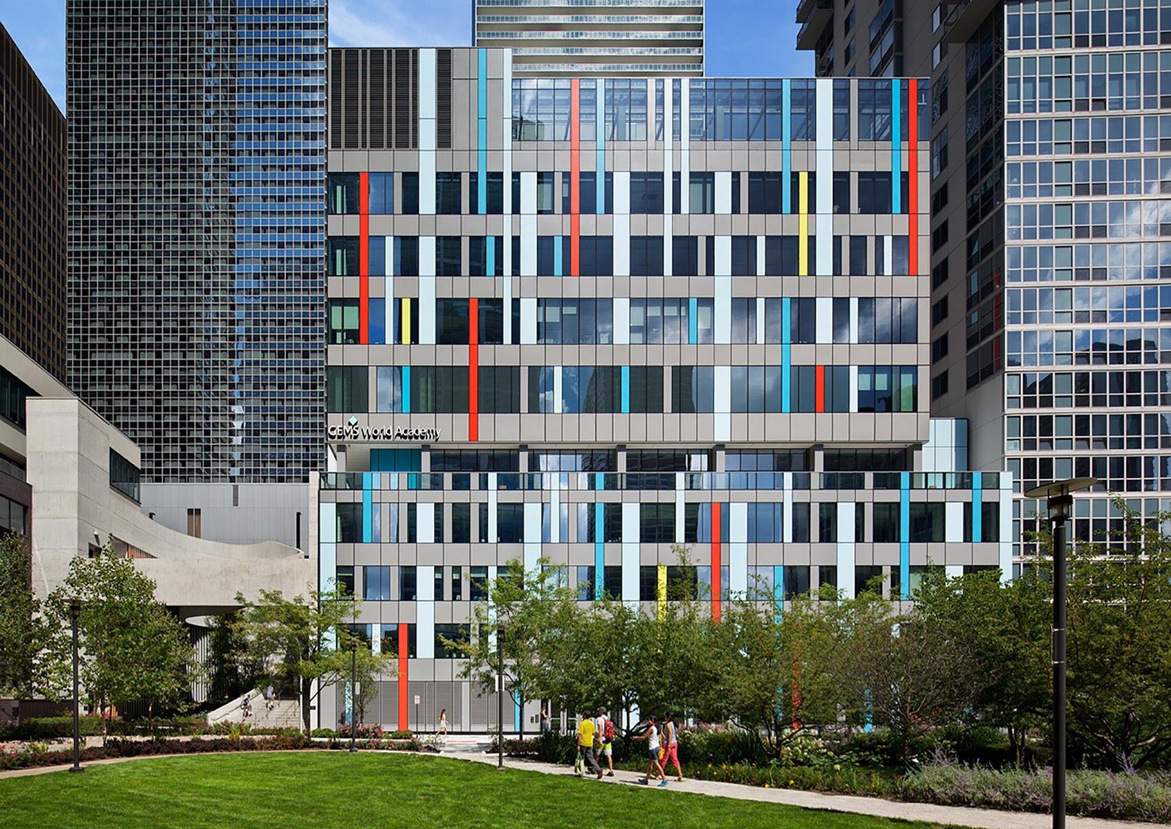 <a href='https://revistaaxxis.com.co/28741-2/'><h2>¿Le apasiona la arquitectura? agéndese para Open House de Chicago</h2>¿Alguna vez ha caminado por un edificio y pensado, desearía poder ver lo que hay dentro?Cadaañoy durante un fin de semana,el OHC (Open House Chicago) le da la entrada a las joyas arquitectónicas de la cuidad y gratis.</a>