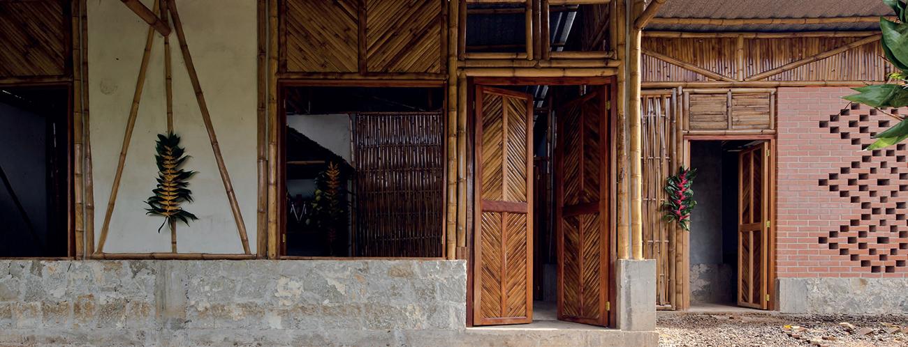 Abraham Aragón, COL & Mariana Ordoñez de Puebla, México. Producción Social de Vivienda: Ganador del Premio de Arquitectura Diáspora Colombiana – Oro.
