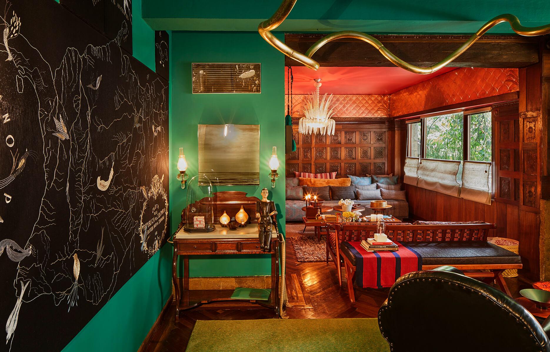 <a href='https://revistaaxxis.com.co/diseno-de-autor-la-casa-de-jorge-lizarazo-en-bogota/'><h2>Diseño de autor</h2>Ubicado en un edificio de patrimonio histórico en el norte de Bogotá–construido en 1939–, este apartamentoestá lleno de historia, arte y color.</a>