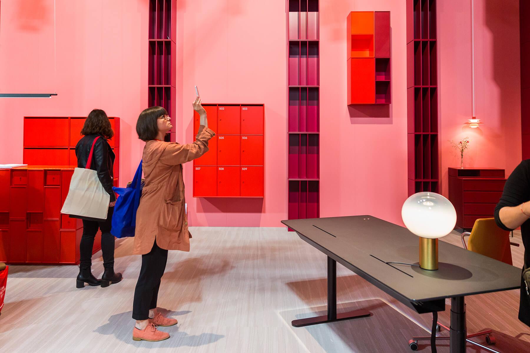 <a href='https://revistaaxxis.com.co/el-gran-salon-axxis-elige-lo-mas-relevante-del-salone-2018/'><h2>El gran salón</h2>Durante seis días Milán se transformó en la capital mundial del diseño gracias al célebre Salone del Mobile, un evento que ha crecido de manera exponencial desde sus inicios en la década de 1960. Aquí los favoritos de AXXIS. </a>