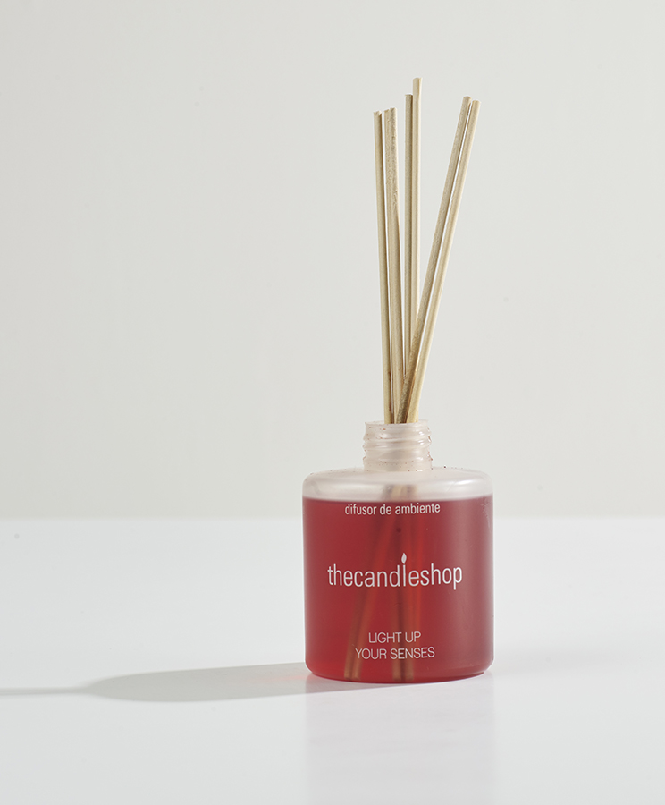 Difusor de ambiente,  ref. The Candle Shop, $49.900, de Falabella.