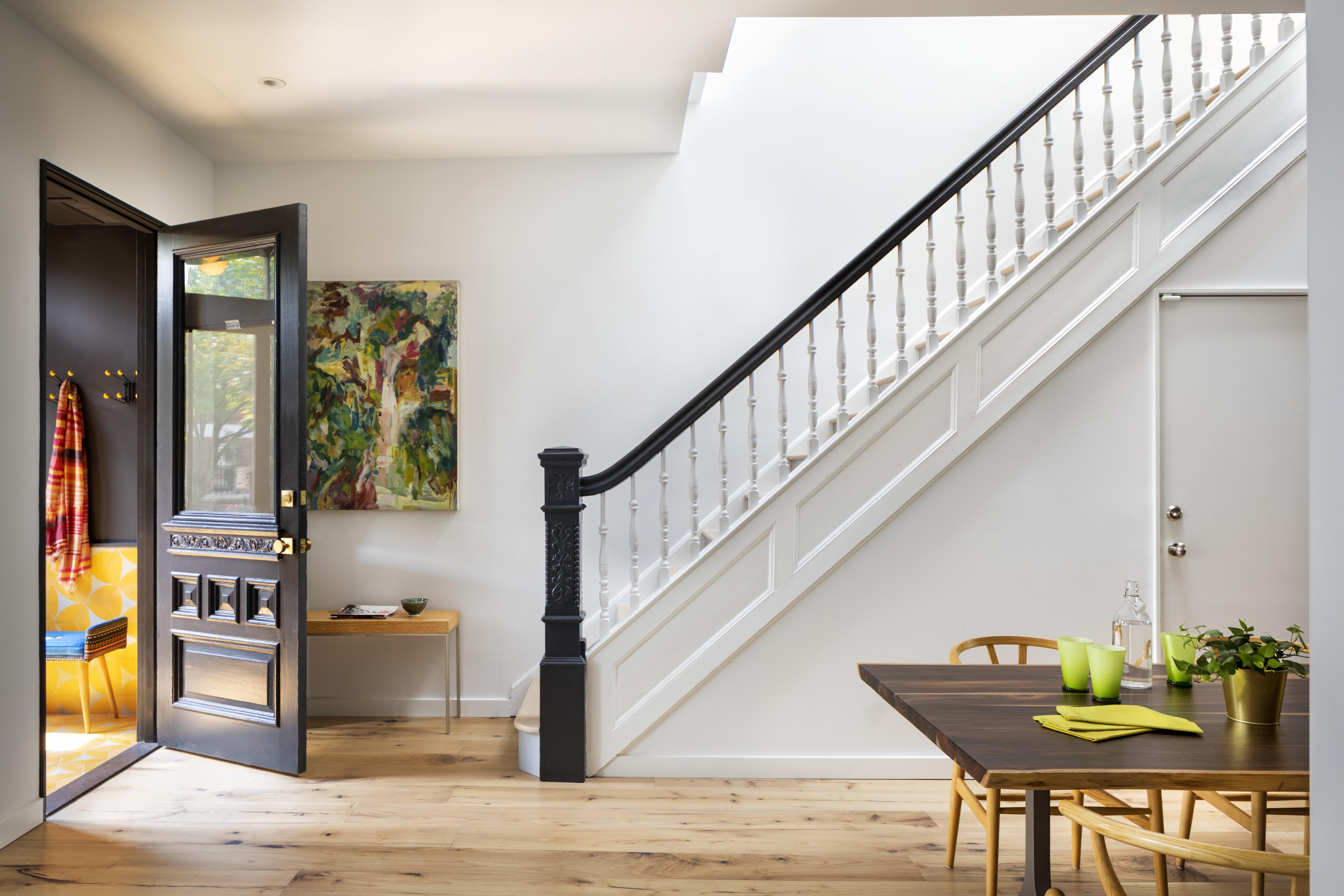 <a href='https://revistaaxxis.com.co/interiorismo-espacios-cambios-lugares/'><h2>El interiorismo puede darle un cambio inesperado a cualquier lugar</h2>En Crown Heights, un barrio en la parte central de Brooklyn, Nueva York, la firma BFDO Architects PLLC hizo un refinado y delicado trabajo de transformación de un espacio tradicional a través de la carpintería, el tratamiento del color, opciones de decoración y alternativas únicas de iluminación.</a>