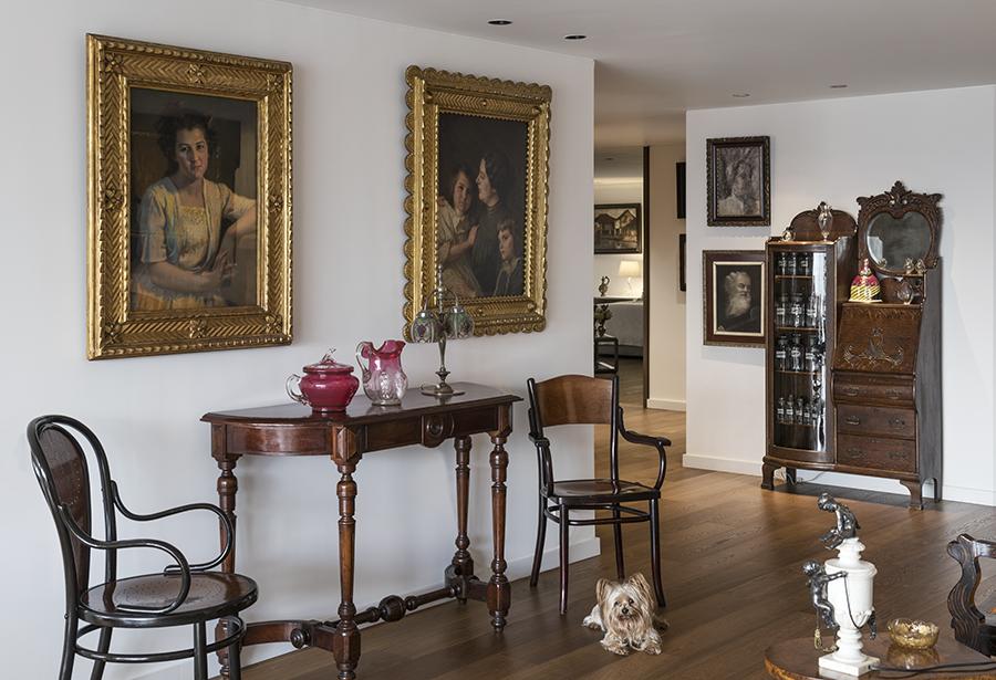 <a href='https://revistaaxxis.com.co/remodelacion-apartamento-bogota-4/'><h2>Este increíble apartamento fue remodelado pero aún conserva piezas de arte del siglo XIX</h2>Antes de llevar a cabo la reforma, los espacios de esta vivienda estaban segregados; de ahí la necesidad de unificar la mayoría de ellos para destacar las obras de arte presentes.</a>