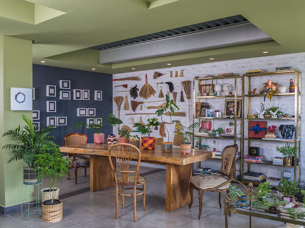 """<a href='https://revistaaxxis.com.co/botanico-tendencia-decoracion/'><h2>Botánico: la tendencia en decoración e interiorismo de fin de año</h2>""""Esta tendencia surge de la belleza y frescura de la naturaleza y se impone como contrapeso y complemento a los objetos minimalistas y la tecnología que invaden los hogares de hoy"""".</a>"""