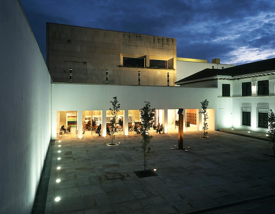 <a href='https://revistaaxxis.com.co/arquitectura/enrique-triana-arquitectura-bogota/'><h2>Enrique Triana: el legado de innumerables obras de arquitectura en Bogotá</h2>Hijos del movimiento moderno y herederos de las ideas de Le Corbusier, Mies van der Rohe, Walter Gropius y Frank Lloyd Wright,Enrique Triana Uribe forma parte deuna generación prolífica y esencial para la historia de la arquitectura de Bogotá. Hoy le rendimos un homenaje luego de su partida a sus 91 años.</a>